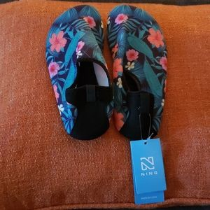 Ning Floral Print Water Shoes